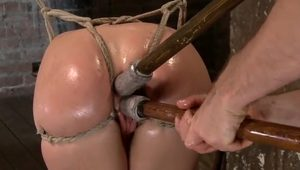 Succulent Diletante Girl Comes To Her First BDSM Session