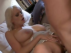 Hello people! This is an amazing and hot fuck with a gorgeous slut Stormy Daniels. After a sweet cunnilingus she gets a strong cock in the pussy and it looks so sexy! Enjoy!